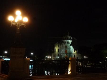 670夜の散歩1.JPG