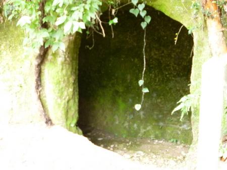 382西郷洞窟3.JPG